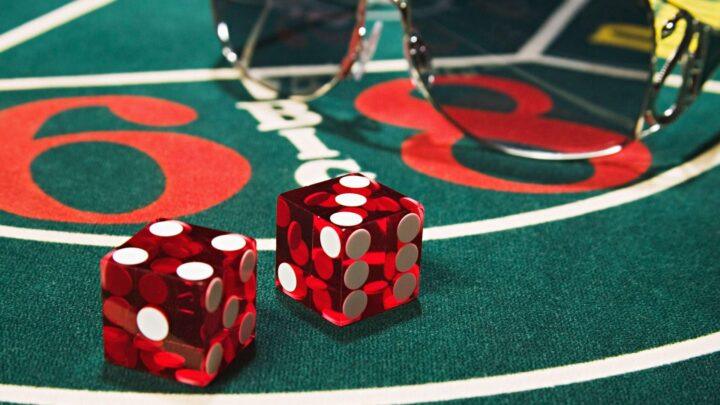 Essential things you needed to know before playing poker game